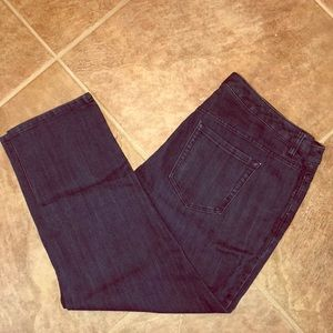 Dark wash Capri denim jeans
